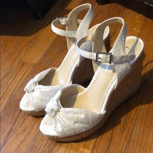 Kelly & Katie wedges size 7